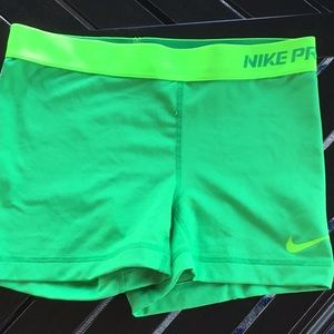 Nike pro fitted size S